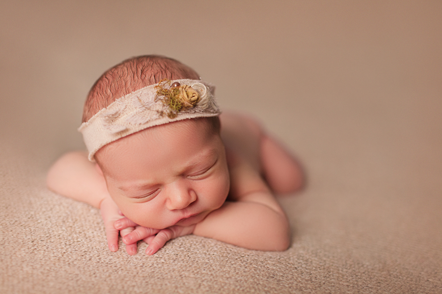 1621 Newborn Photographer Ottawa