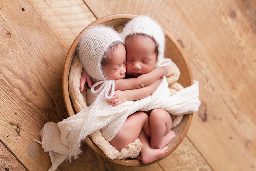 2166 Ottawa Newborn Twin Photographer