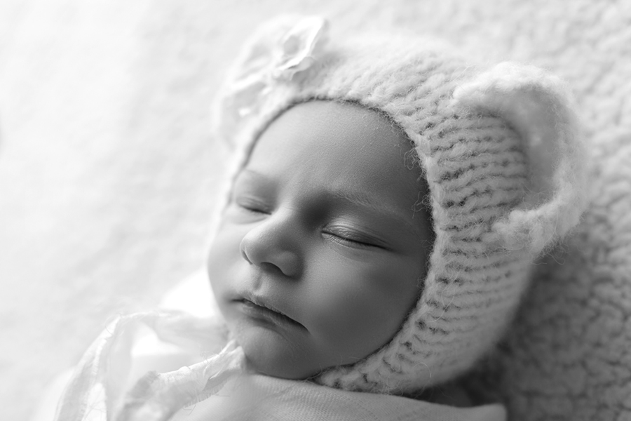 8718BW Ottawa Newborn Photography
