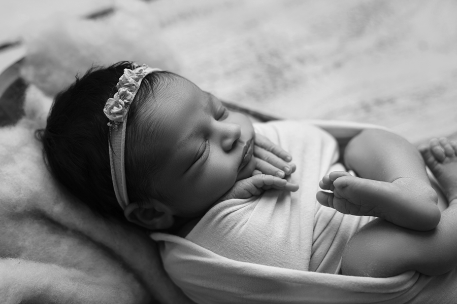 Ottawa Newborn Photography IMG_1140BW
