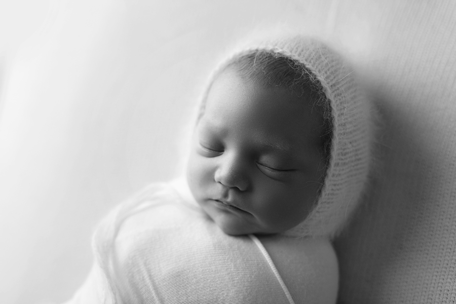 IMG_2727_BW Ottawa Newborn Photographer
